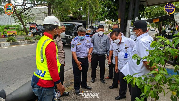 Penentuan titik pemasangan Lampu Penerangan Jalan Umum (PJU) di ruas Jl. Lawu Karanganyar
